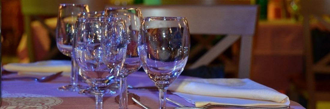 We organise dinners for your events and receptions